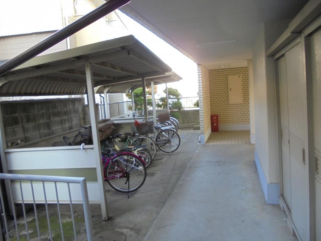 クレイン301自転車置場