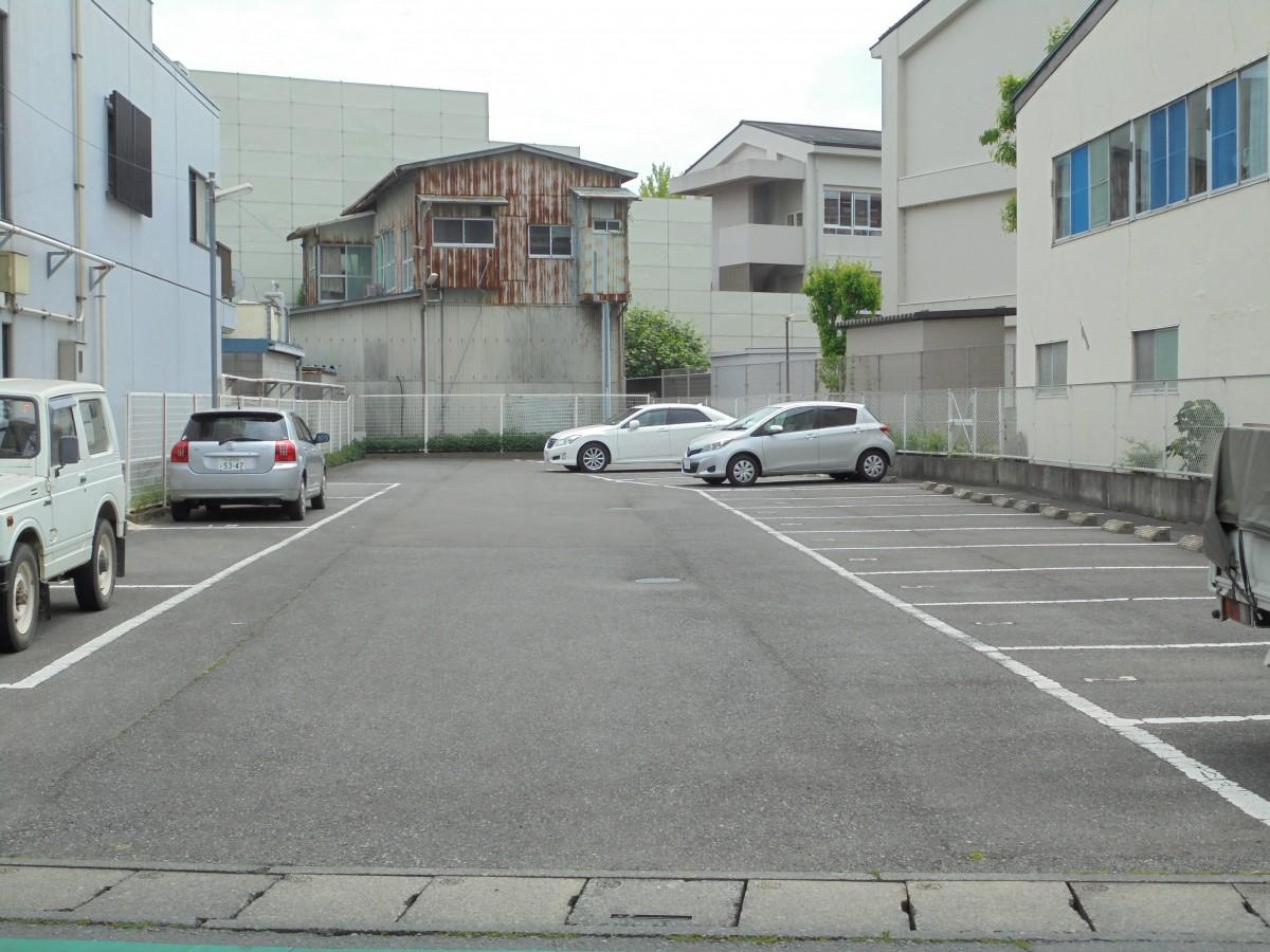 近長 駐車場1